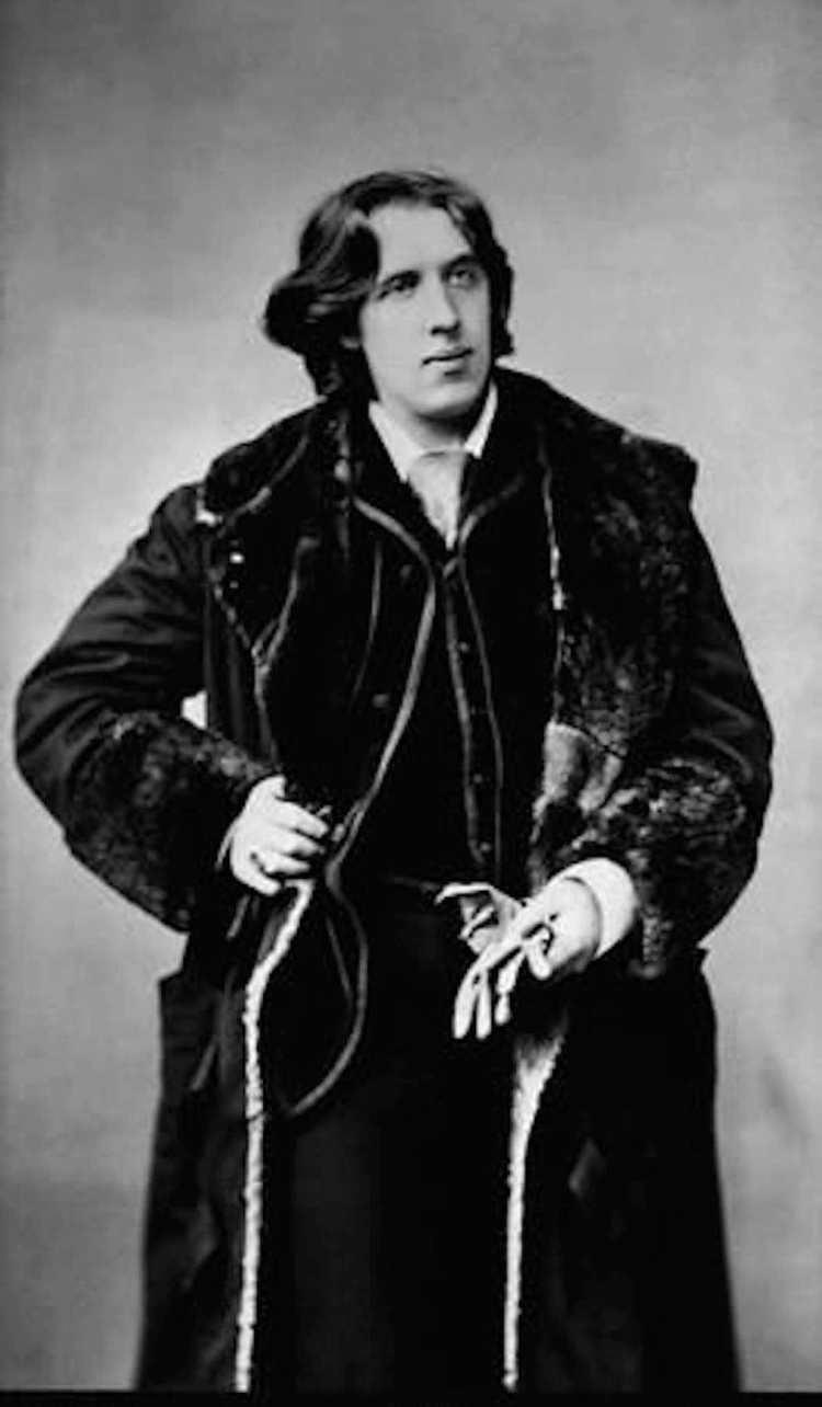 Wilde Oscar Oscar Wilde in America Photographs by Napoleon Sarony