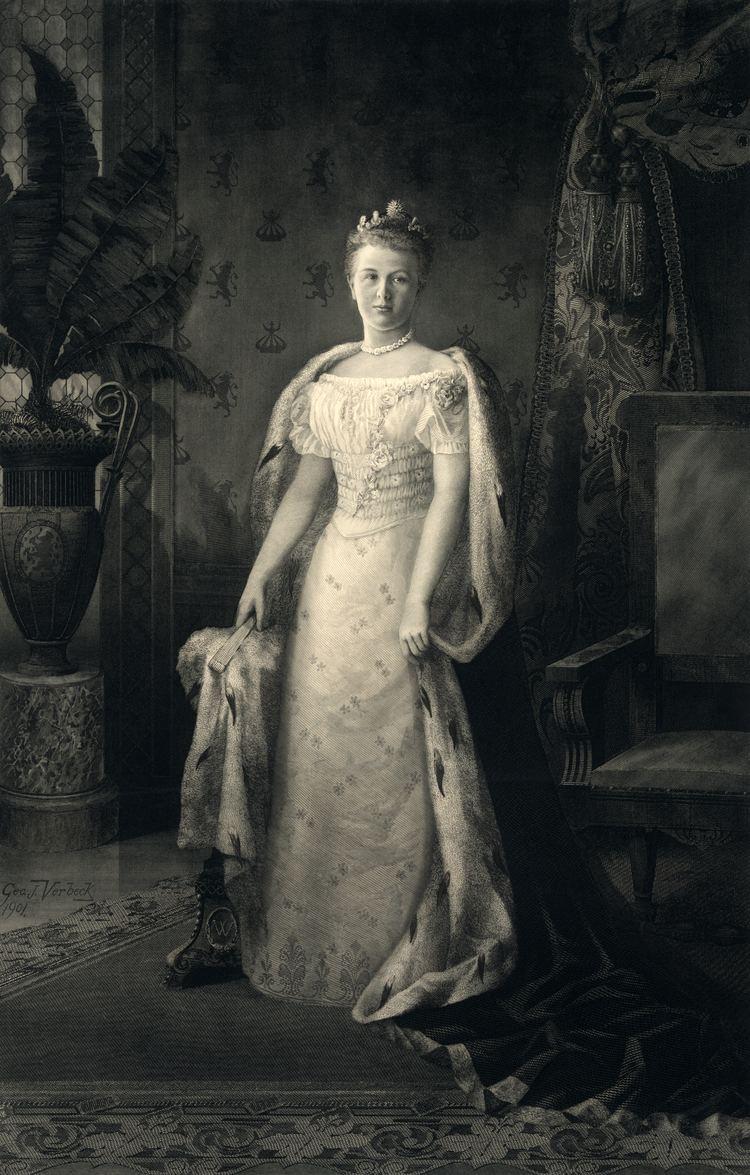 Wilhelmina of the Netherlands FileQueen Wilhelmina2jpg Wikipedia the free encyclopedia