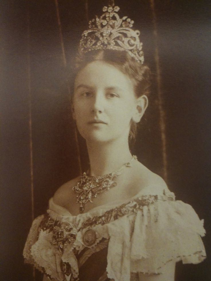 Wilhelmina of the Netherlands queen Wilhelmina of the Netherlands as a young woman she