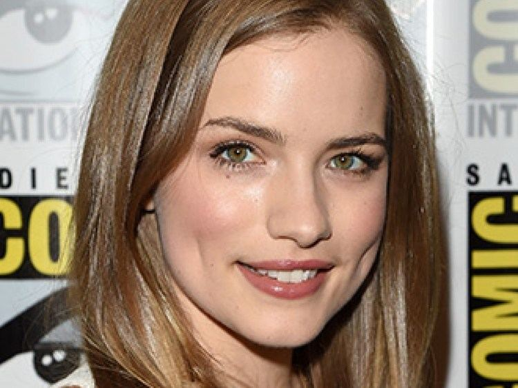 Willa Fitzgerald Willa Fitzgerald Celebrity Profile Hollywood Life