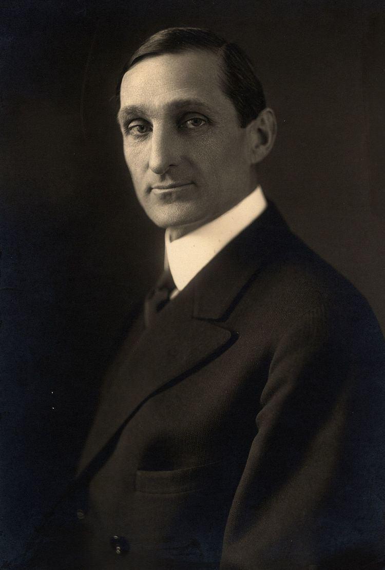 William Gibbs McAdoo httpsuploadwikimediaorgwikipediacommonsthu