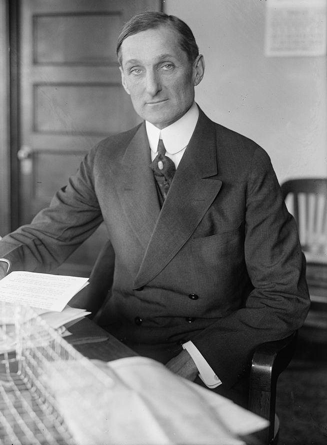 William Gibbs McAdoo FileWilliamgibbsmcadoodeskjpg Wikimedia Commons