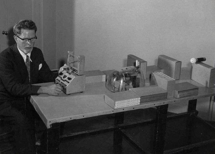 William Grey Walter IASLonline NetArt History of Computer Art II2 Cybernetic