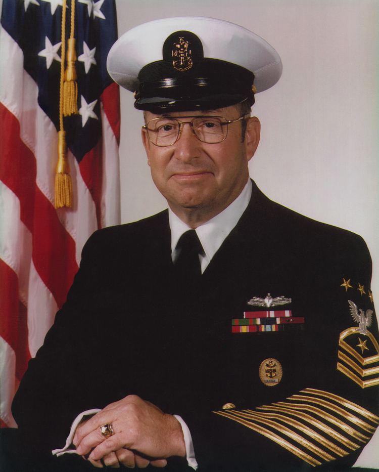William H. Plackett MCPON William H Plackett A Focus on Leadership The Sextant