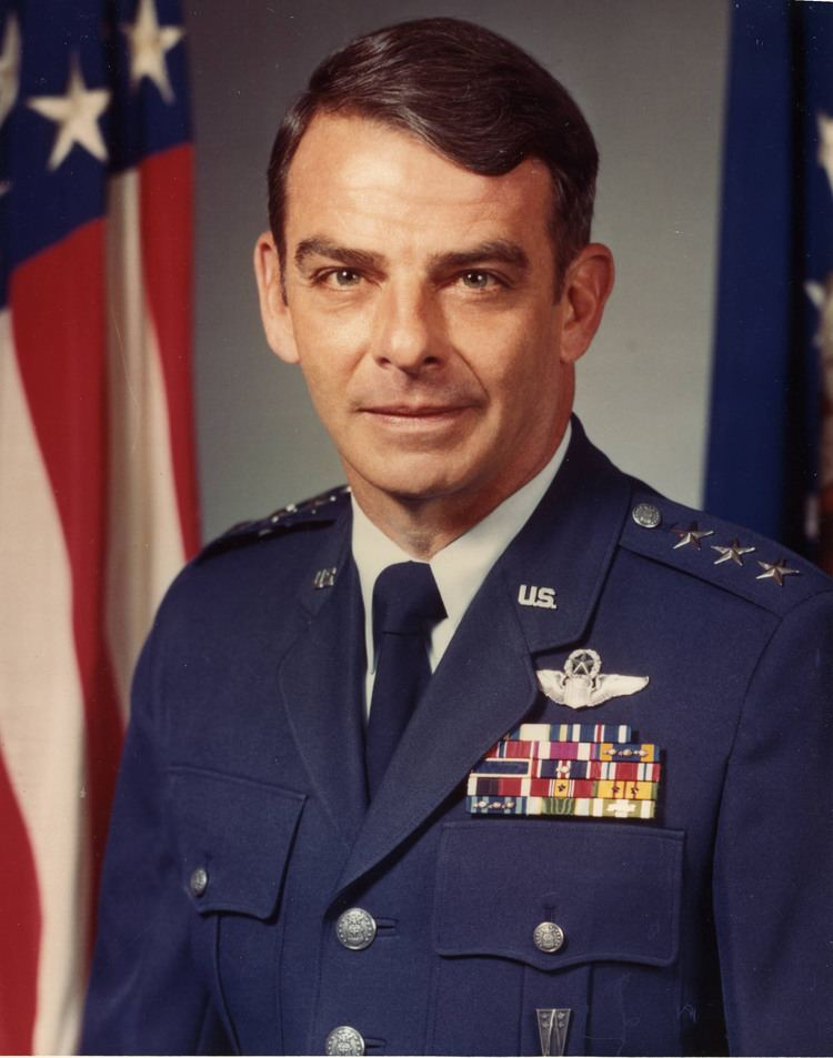 William J. Campbell (general) LIEUTENANT GENERAL WILLIAM J CAMPBELL US Air Force Biography