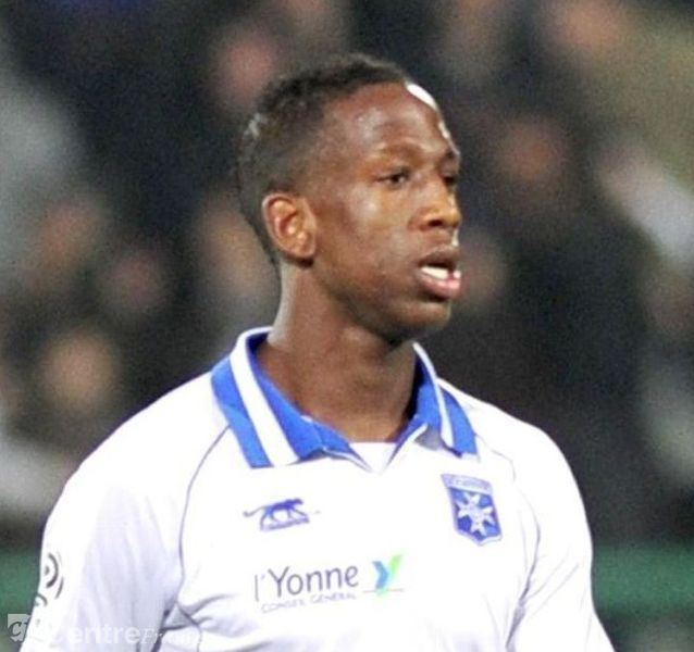 Willy Boly wwwlyonnefr Football AUXERRE 89000 Un vrai
