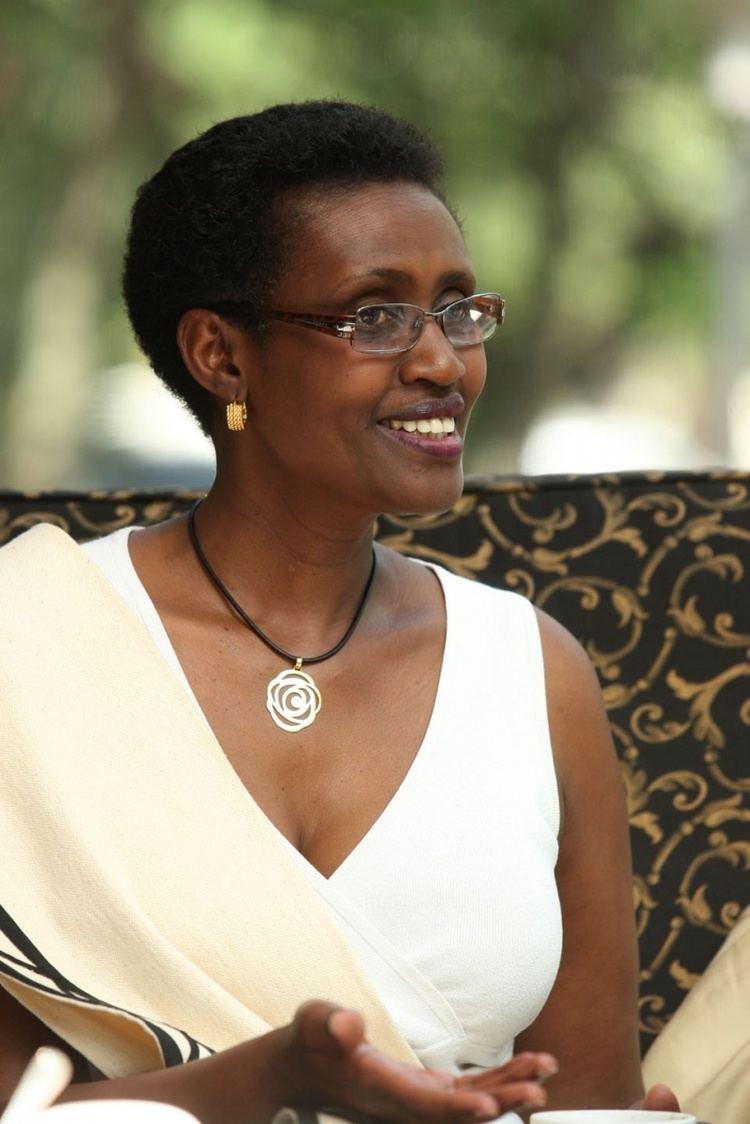 Winnie Byanyima Multinational companies cheat 6bn from Africa every year
