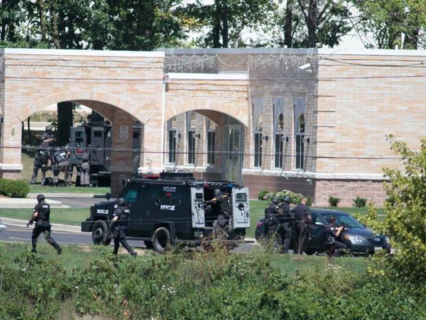 Wisconsin Sikh temple shooting cbsnews3cbsistaticcomhubir20120805cec6ca9