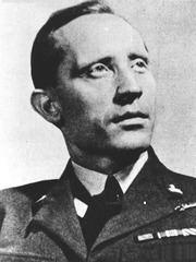 Witold Urbanowicz httpsuploadwikimediaorgwikipediacommonsthu
