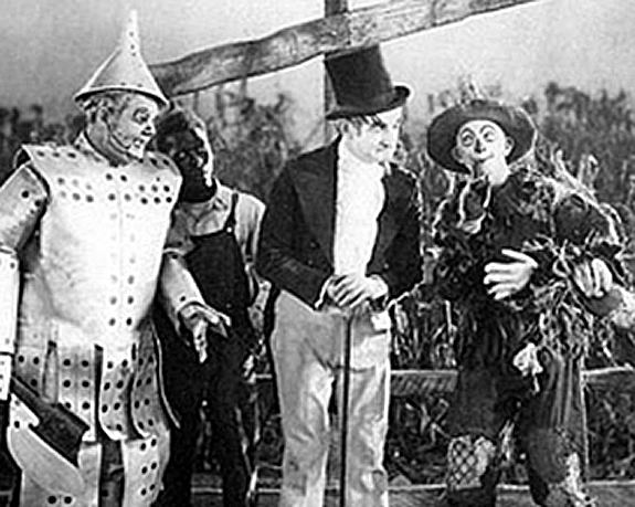 Wizard of Oz (1925 film) movie scenes But even for a movie made in the early days of film it does represent a fresh start for such an iconic role wizard of oz 1925