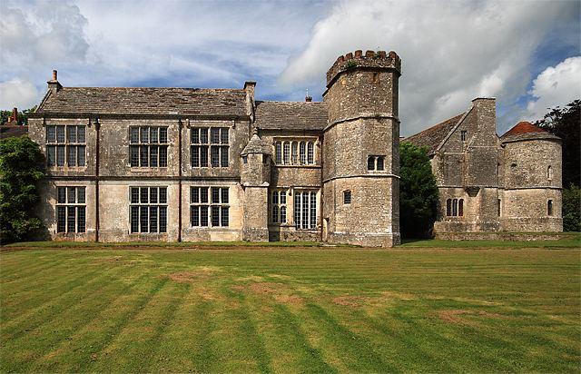 Wolfeton House httpsuploadwikimediaorgwikipediacommons88