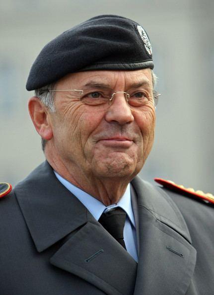 Wolfgang Schneiderhan (general) www4picturesgizimbiocomBundeswehrBuildsMonu
