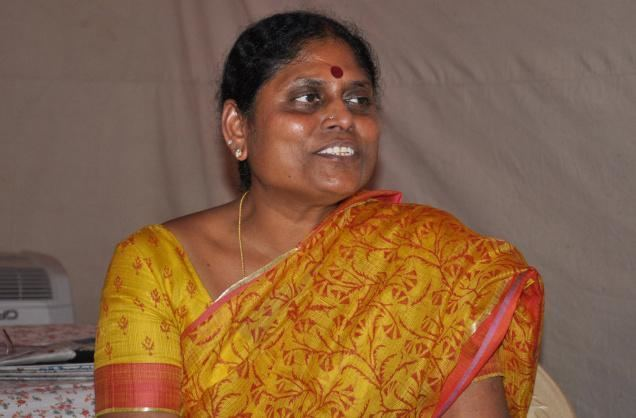 Y. S. Vijayamma Vijayamma to contest for Lok Sabha Jagan for assembly