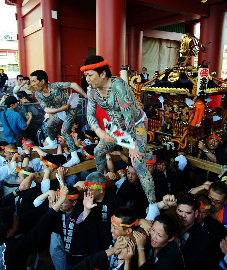Yakuza httpsuploadwikimediaorgwikipediacommons55