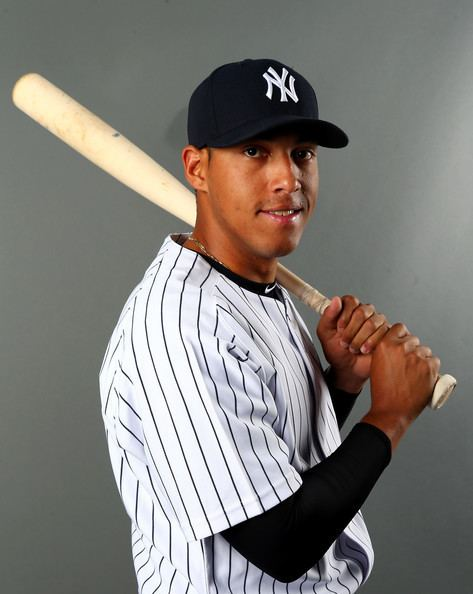 Yangervis Solarte Yangervis Solarte Photos New York Yankees Photo Day Zimbio