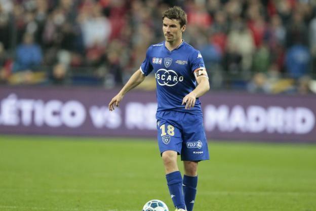 Yannick Cahuzac Foot Ligue 1 Bastia Yannick Cahuzac est de retour dans le
