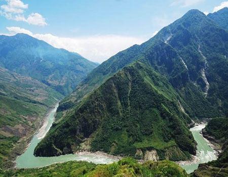 Yarlung Tsangpo Grand Canyon wwwtibetdiscoverycomassetsimagesattractionsy