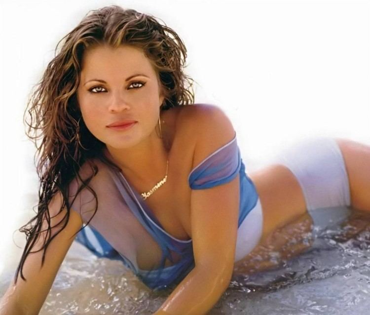 Yasmine Bleeth Yasmine Bleeth photo pics wallpaper photo 32358