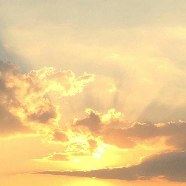 Yellow Sky 25 best Yellow sky ideas on Pinterest Yellow sun Sunset painting