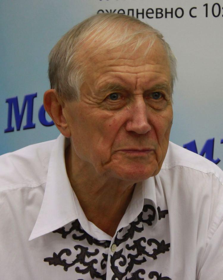 Yevgeny Yevtushenko Yevgeny Yevtushenko Wikipedia the free encyclopedia