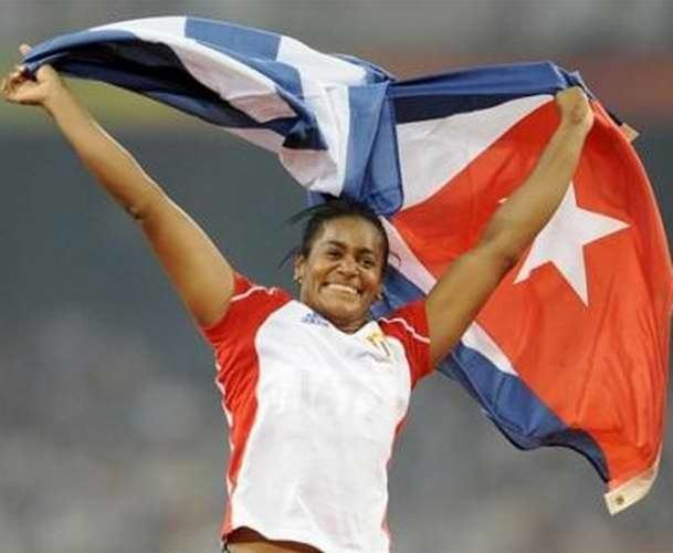 Yipsi Moreno Gold medalist Yipsi Moreno hammer throw Photo adelante