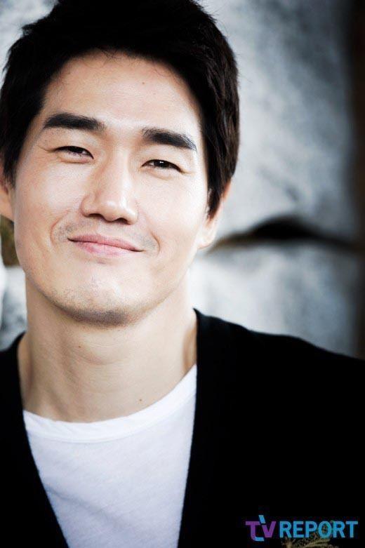 Yoo Ji-tae Yoo Jitae signs on to new Song Jinah drama Healer