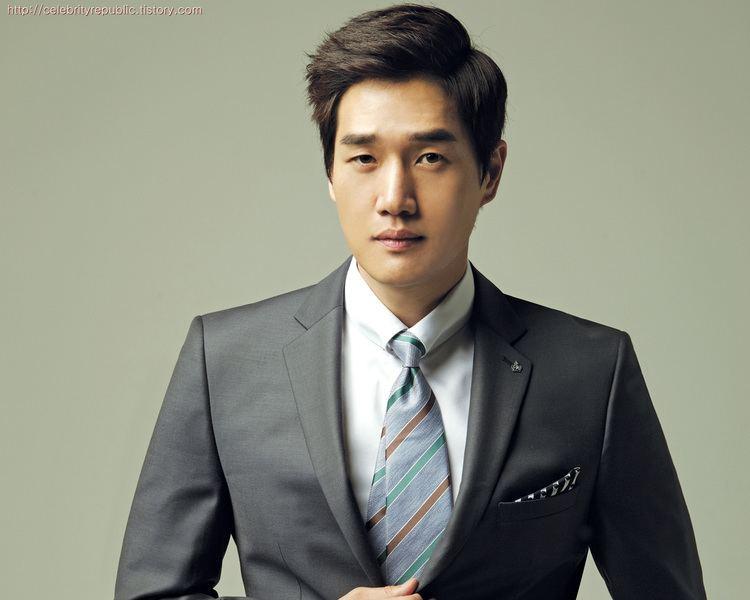 Yoo Ji-tae wwwkpopmusiccomwpcontentuploads201511YooJ