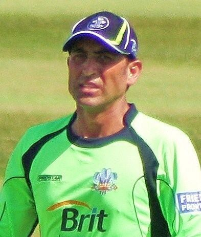 Younis Khan (Cricketer) playing cricket