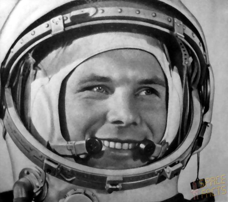 Yuri Gagarin wwwspacefactsdemissionalternatephotogagarin