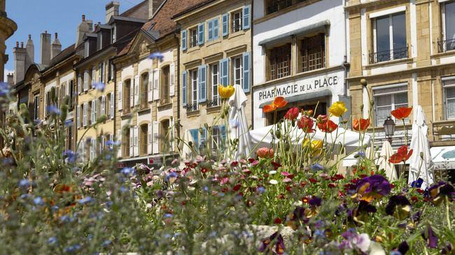 Yverdon-les-Bains httpsimgmyswitzerlandcommysn49464imagesbu