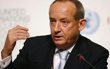 Yvo de Boer Copenhagen climate summit UN warns of damage over hacked