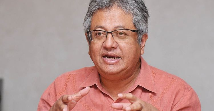 Zaid Ibrahim Shariah bill Debate me on live tv says Zaid Ibrahim Berita Daily