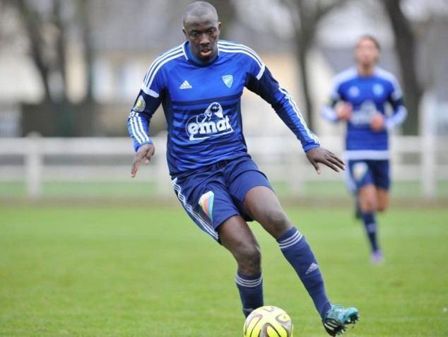 Zakaria Gueye Football CFA 2 Zakaria Gueye pas prt de bouger de Oissel