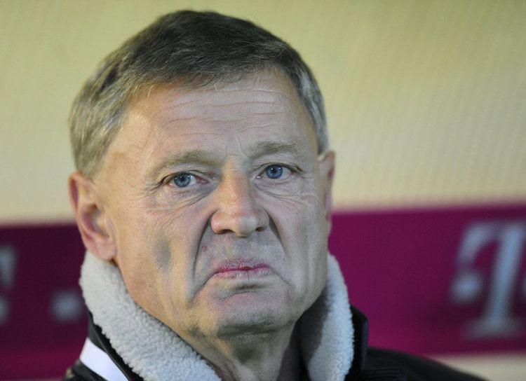 Zdeněk Ščasný Trenr asn seval kameramana B do prele Fotbalguru