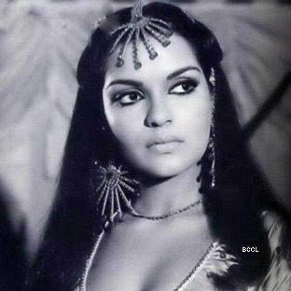 Zeenat Aman 5 epic looks of beauty queen Zeenat Aman Beauty Pageants