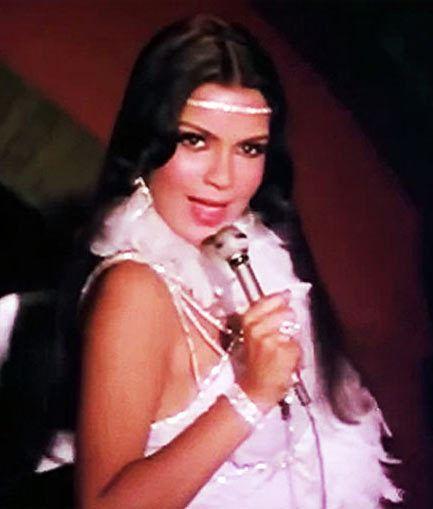 Zeenat Aman Rediscovering Feroz KhanZeenat Aman39s seductive Qurbani