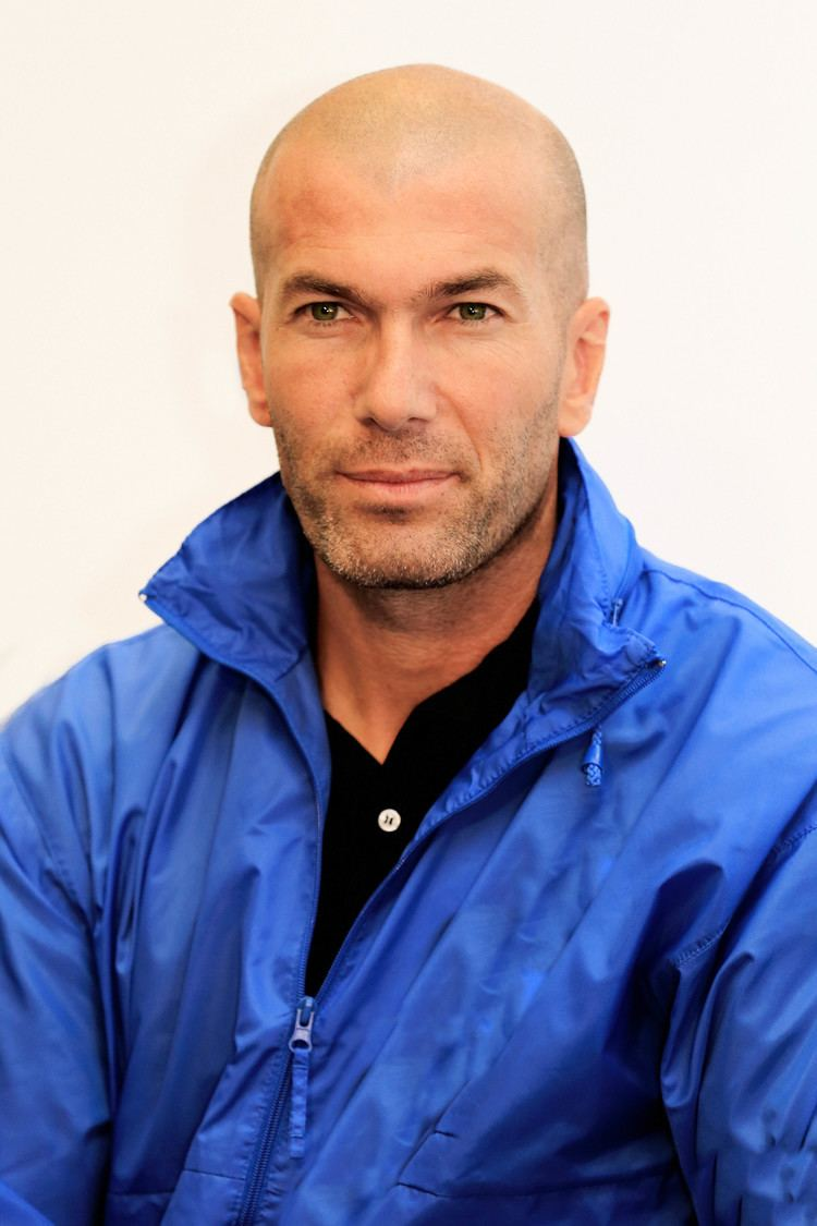 Zinedine Zidane Zinedine Zidane Wikipedia the free encyclopedia