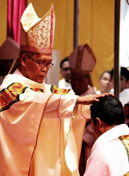 Cosmas Michael Angkur Mgr Cosmas Michael Angkur OFM HIRARKI GEREJA
